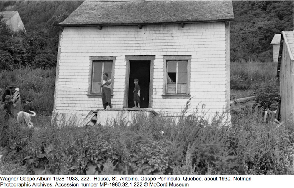 Wagner Gaspé Album 1928-1933, 222.  House, St.-Antoine, Gaspé Peninsula, Quebec, about 1930. Notman Photographic Archives. Accession number MP-1980.32.1.222 © McCord Museum